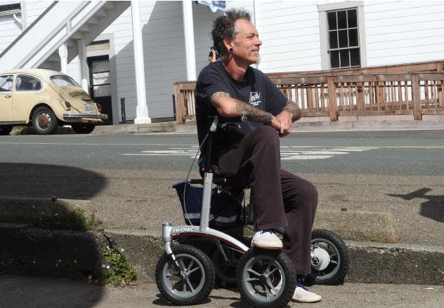 The Trionic rollator is solid and stable yet light enough for me to easily lift it in and out of the car!